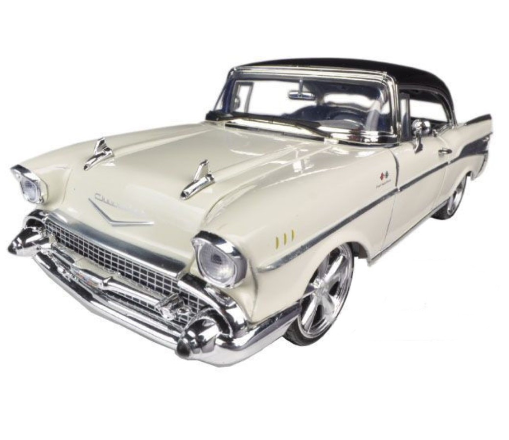 1:18 1957 Custom Chevy Bel Air (White) MM79006WH