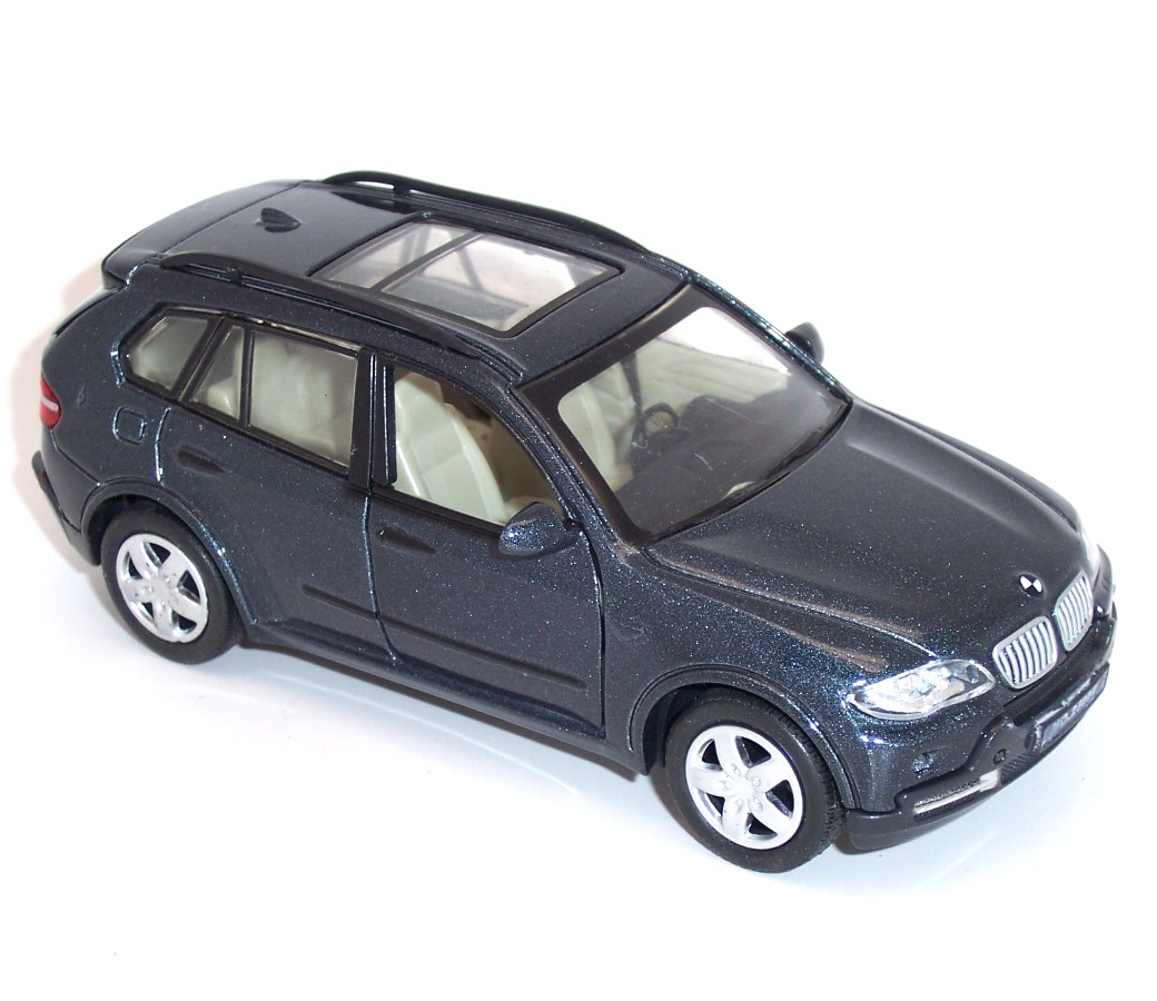Assorted Color Diecast Model Car 1:32 DC-25005C